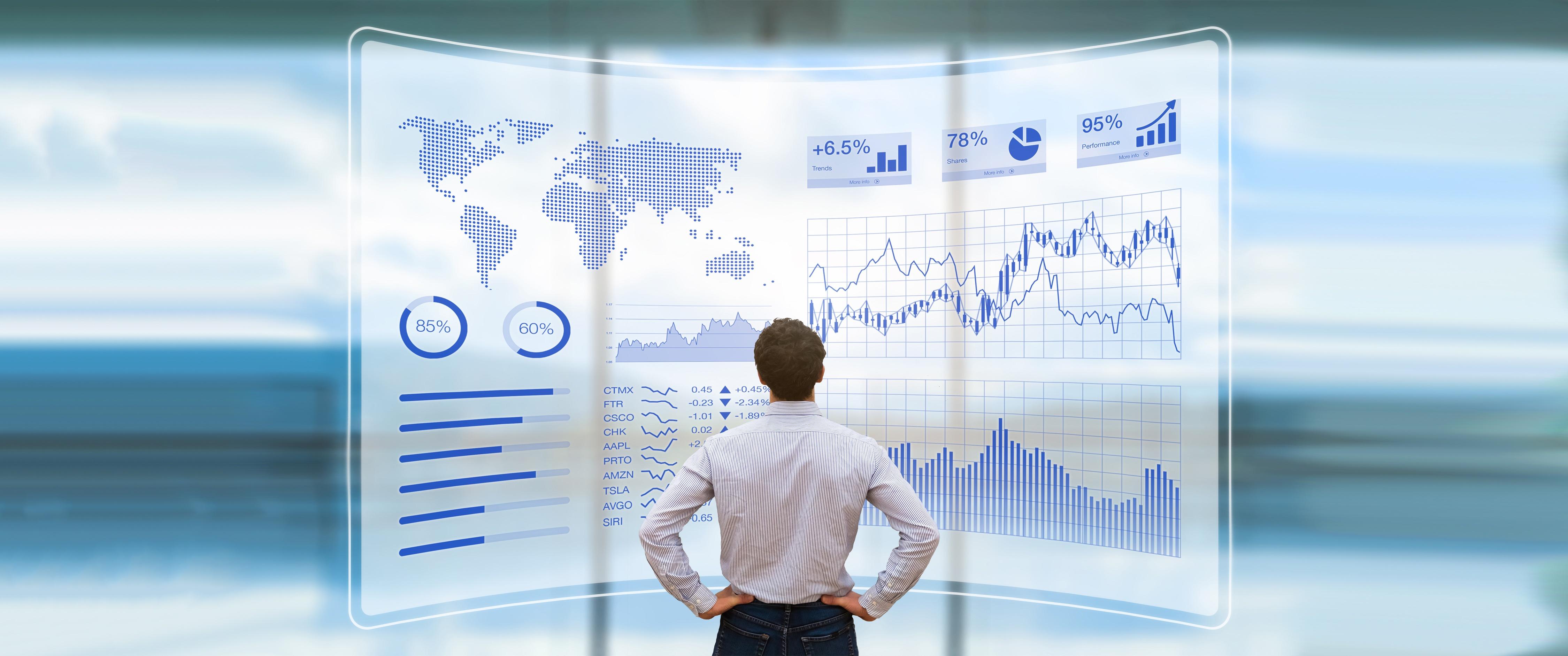 data_analytics_man_standing